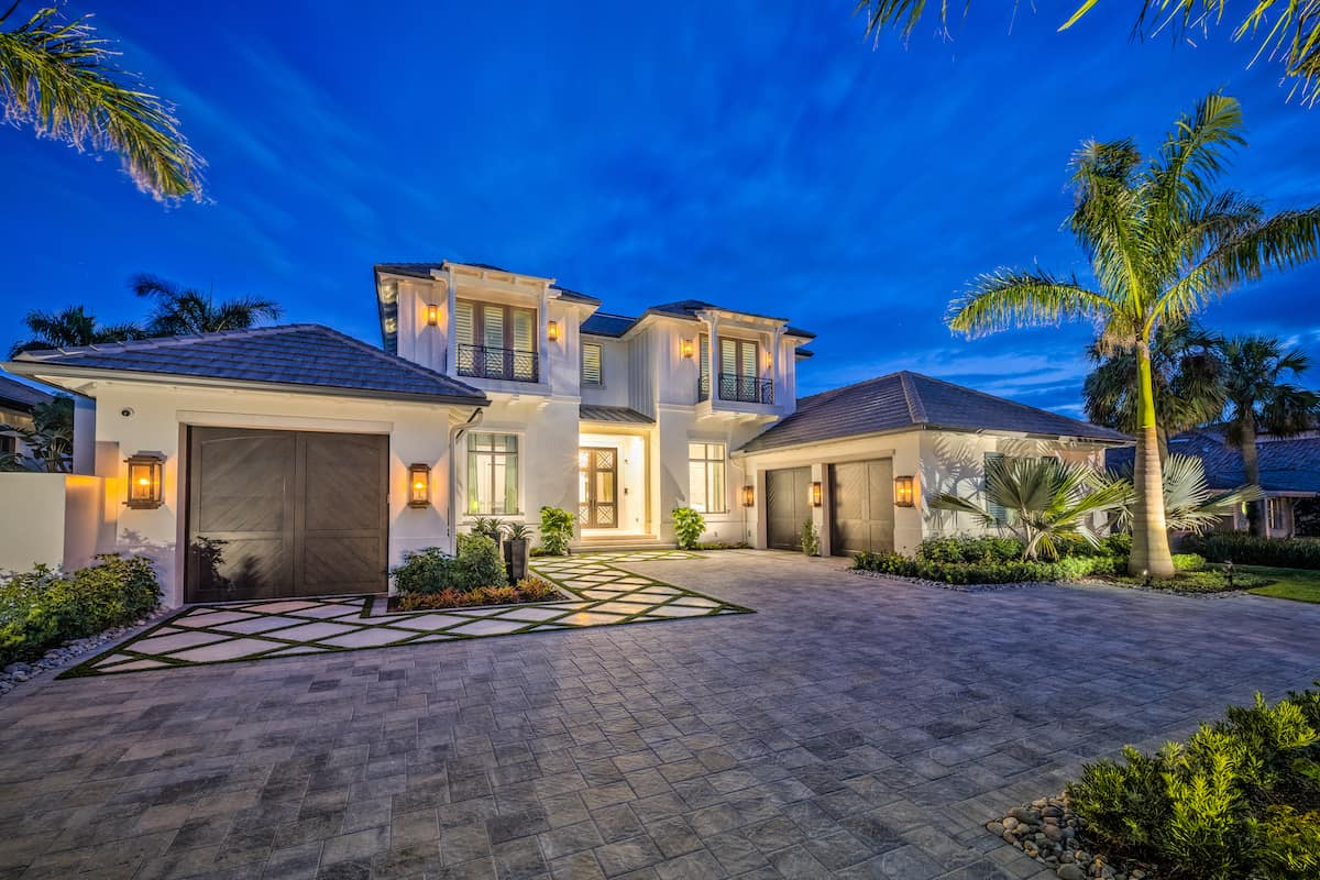interesting-driveways-editorial-allied-paver-systems-build-magazine-naples