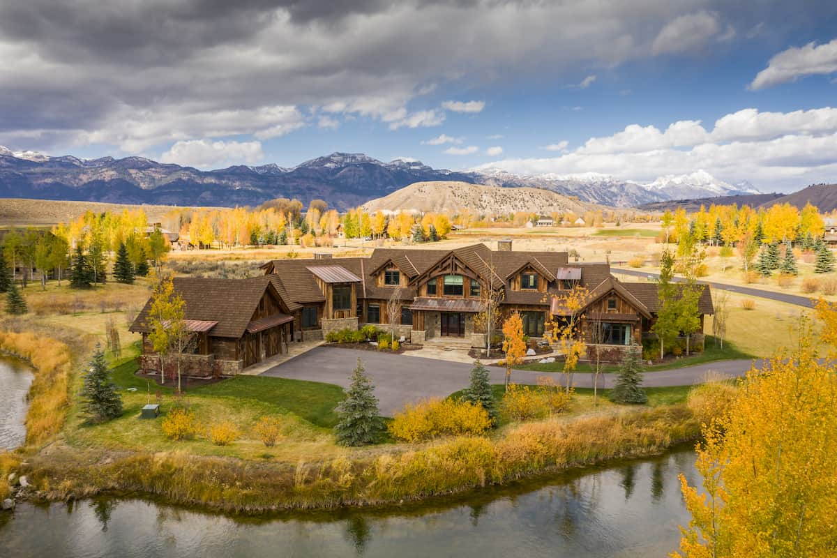 clearwater-restoration-mountain-scapes-outdoor-living-build-magazine-jackson-hole